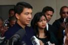 Andry Rajoelina au sortir des bureaux de vote, après le référendum constitutionnel.