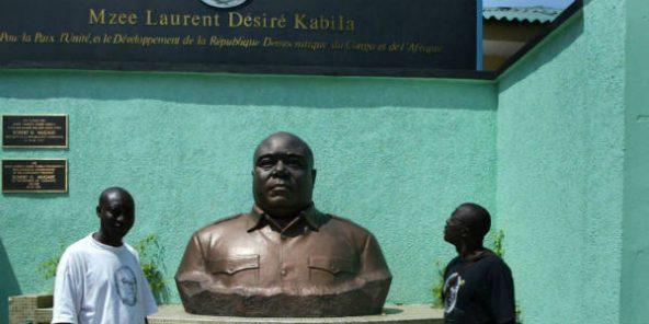 Une statue du Mzee, Laurent-Désiré Kabila, à Kinshasa, en mai 2005.