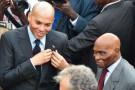 Karim Wde, à gauche, avec son père, le président Abdoulaye Wade, a mois de janvier.