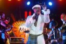 Le chanteur congolais Koffi Olomide le 30 avril 2005 à Dakar.