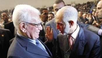 Chadli Bendjedid en compagnie d'Abdelaziz Belkhadem.