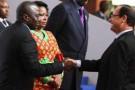 Joseph Kabila et François Hollande à l'ouverture du sommet à Kinshasa, le 13 octobre 2012.