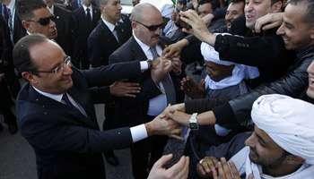 En Algérie, Hollande salue