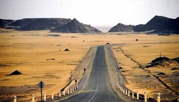 Au total, l'Algérie a investi plus de 2,5 milliards de dollars pour construire le tronçon de la Transsaharienne situé sur son territoire. DR