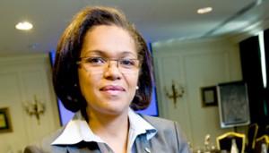 D'Laurence do Rego ass mam Ecobank am Joer 2002 als Direkter vun der Finanzkontroll vum Ecobank Benin bäigetrueden.