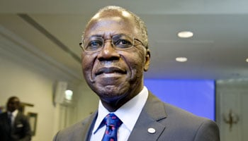 http://www.jeuneafrique.com/medias/2013/10/29/Andre-Siaka-BrasseriesDuCameroun_Vincent-Fournier-JA.jpg