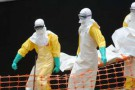 Une personne décédée de fièvre hémorragique à Guédékou, en Guinée, le 1er avril 2014.
