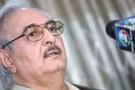 Le général libyen Khalifa Haftar durant une conférence de presse à Abyar, le 17 mai.