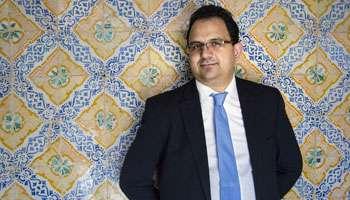Zied Ladhari, avocat, appartient à Ennahdha.