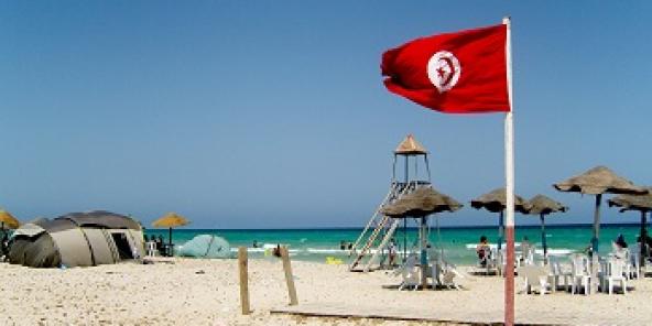 Le tourisme a toujours été un secteur clé de l'économie tunisienne grâce à son climat, ses plages et son patrimoine (huit sites inscrits au patrimoine mondial de l'Unesco.