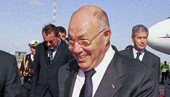 Abdelaziz <b>Ben Dhia</b>, le 14 novembre 2001 à Tunis. © Hassene Dridi/AP/Sipa - 023022015111822000000abdzizvbendhia