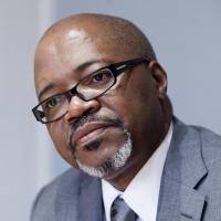 André Mba Obame est décédé en avril 2015 à Yaoundé.