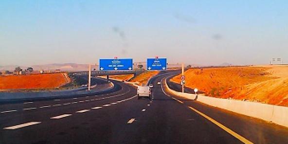 Seize personnes et 6 entreprises étrangères étaient poursuivies dans l'affaire de l'autoroute Est-Ouest en Algérie en 2015.