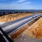L'Afrique, qui sera bientôt peuplée de 2,5milliards d'habitants, a un besoin d'infrastructures colossal. Ici, l'aménagement autoroutier du pont de Radès, en Tunisie.