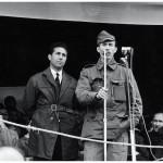 Le nouveau président Ben Bella (à g.) et son ministre de la Défense, Houari Boumédiène en septembre 1962, au lendemain de l'indépendance.