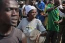 Des manifestants anti-Nkurunziza, le  11 juin 2015 à Bujumbura.