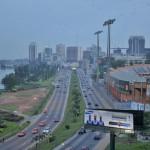 Le train urbain d'Abidjan devrait transporter environ 300 000 personnes par jour.