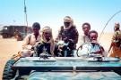 En septembre 1983 à Biltine, dans l'est du Tchad. Idriss Déby Itno                                                                  (à g.) est alors commandant en chef de l'armée.