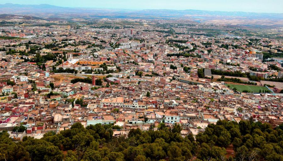Alg rie tlemcen power une ville au coeur du pouvoir for Piscine demontable algerie
