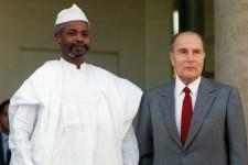 Hissène Habré et François Mitterrand, le 21 octobre 1989, à Paris.