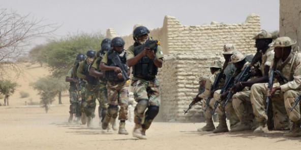 Des soldats de l'armée nigérienne, le 7 mars 2015. (Image d'illustration)