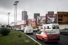 Affiches en faveur de la réélection d'Alassane Ouattara, à Abidjan.