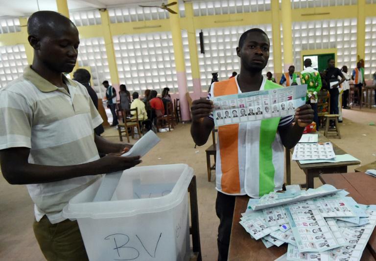 Présidentielle en Côte d'Ivoire : dans l'attente des résultats, le taux de participation fait débat