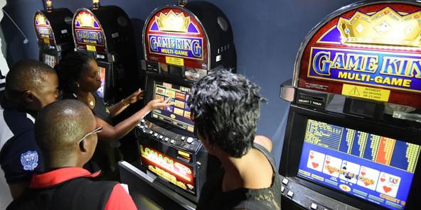 D'Abidjan à Kinshasa, les salles de jeux sont de Pefaco partout.