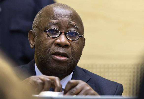 Laurent Gbagbo attend l'énonciation des charges pesant  contre lui (Février 2013)