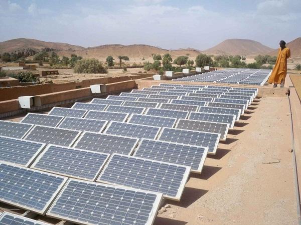 Panneaux solaires en Algérie, 4 Octobre 2010 (Illustration)