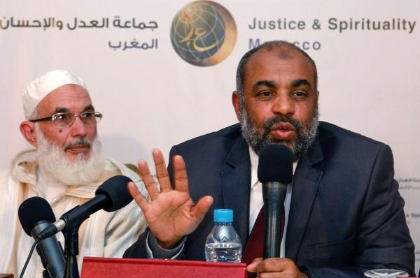 """Le porte-parole de l'organisation """"Al Adl Wal Ihssane"""", Fathallah Arsalan, en compagnie de Mohamed Abbadi, leader de la Jamaâ."""