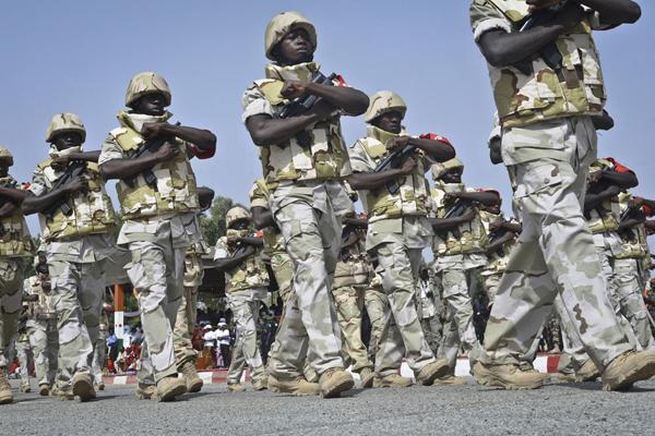Des soldats nigériens, lors de la fête nationale, le 18 décembre 2014. (image d'illustration)