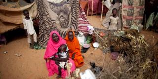 Des déplacés du Darfour dans un camp de la mission des Nations unies au Darfour, en juin 2014.