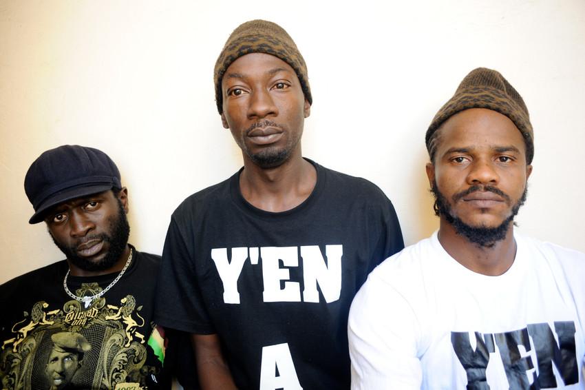 Thiat, Fadel Barro et Kilifeu, fondateurs du mouvement Y en a marre.