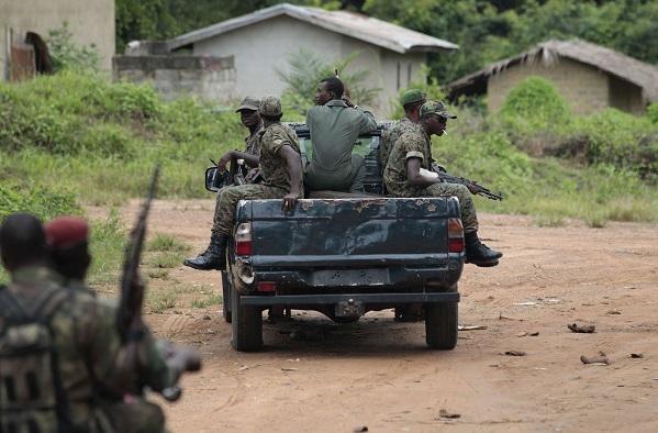 Les Forces républicaines de Côte d'Ivoire, en mai 2011 à Keibly.