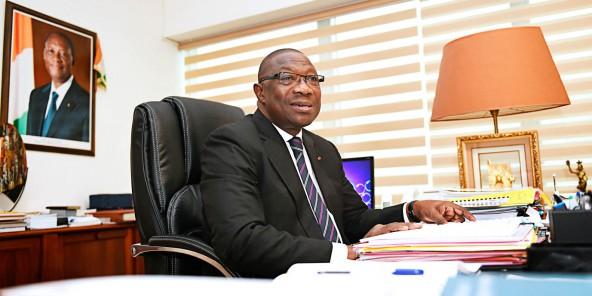 Le ministre ivoirien des Sports et maire de Treichville, François Albert Amichia, dans son bureau.