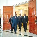 Au palais présidentiel de Haramous, à Djibouti, le 28 février. Ismaïl Omar Guelleh est entouré de ses homologues Hassan Cheikh Mohamoud (Somalie), Uhuru Kenyatta (Kenya) et Hailemariam Desalegn (Éthiopie).
