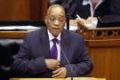 Le président sud-africain Jacob Zuma devant le Parlement, au Cap (sud), le 11 mars 2015.