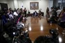 Luis Hincapie, ministre panaméen adjoint aux affaires étrangères, annonce que le président Juan Carlos Varela rencontrera différents ambassadeurs étrangers après la publication des «Panama Papers», mercredi 6 mars.