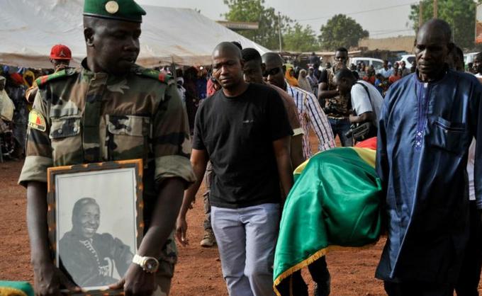 Habibou Kouyate / AFP