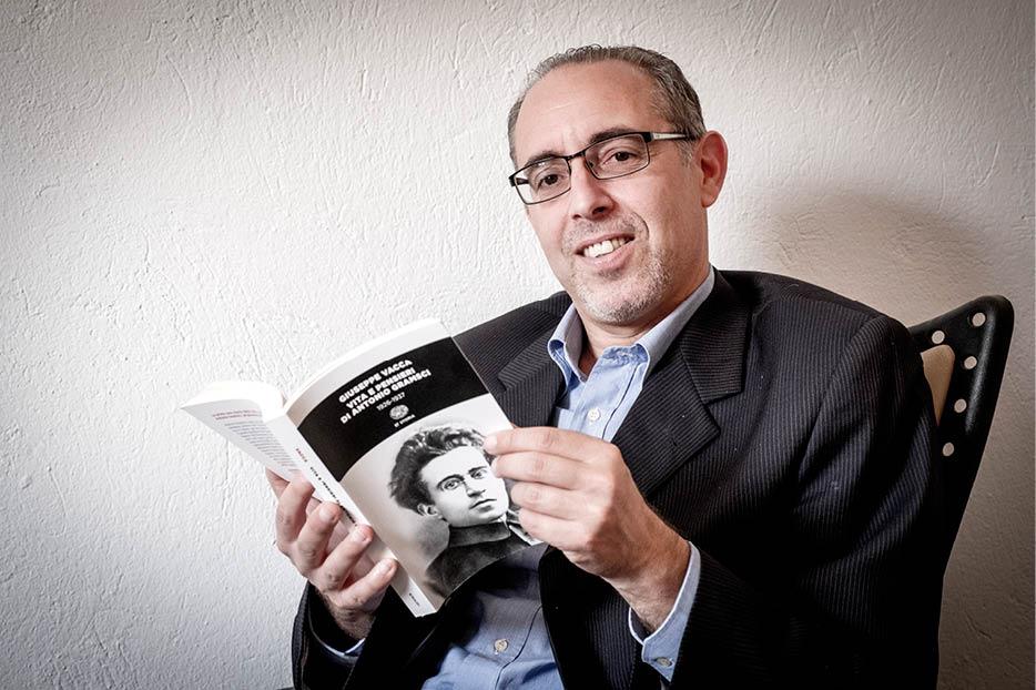 Baccar Gherib est doyen de la faculté des sciences juridiques, économiques et de gestion de Jendouba, en Tunisie.