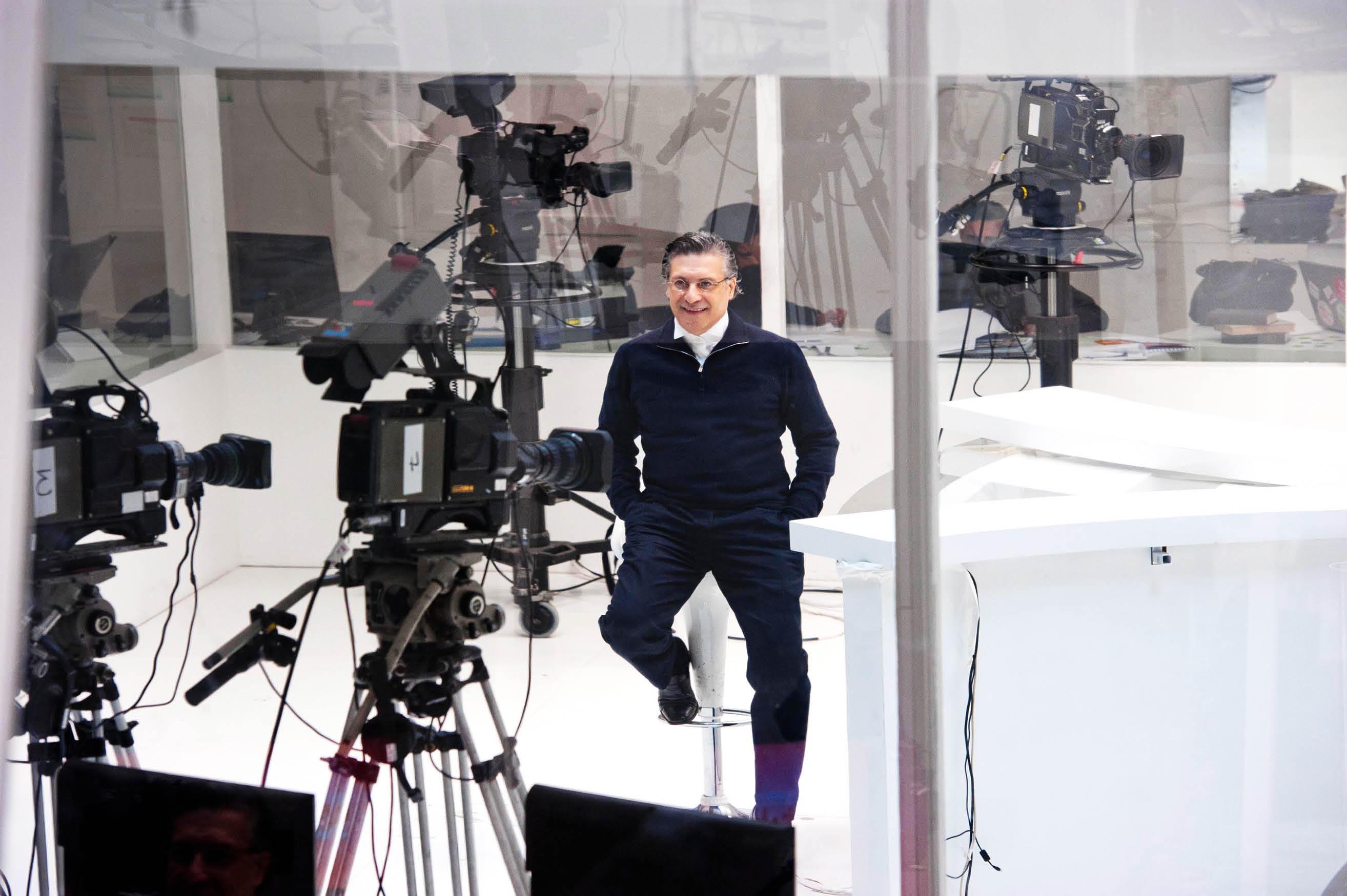 Nabil Karoui sur le plateau de Nessma TV, qu'il a cessé de diriger sur le papier, mais qui le suit désormais partout…