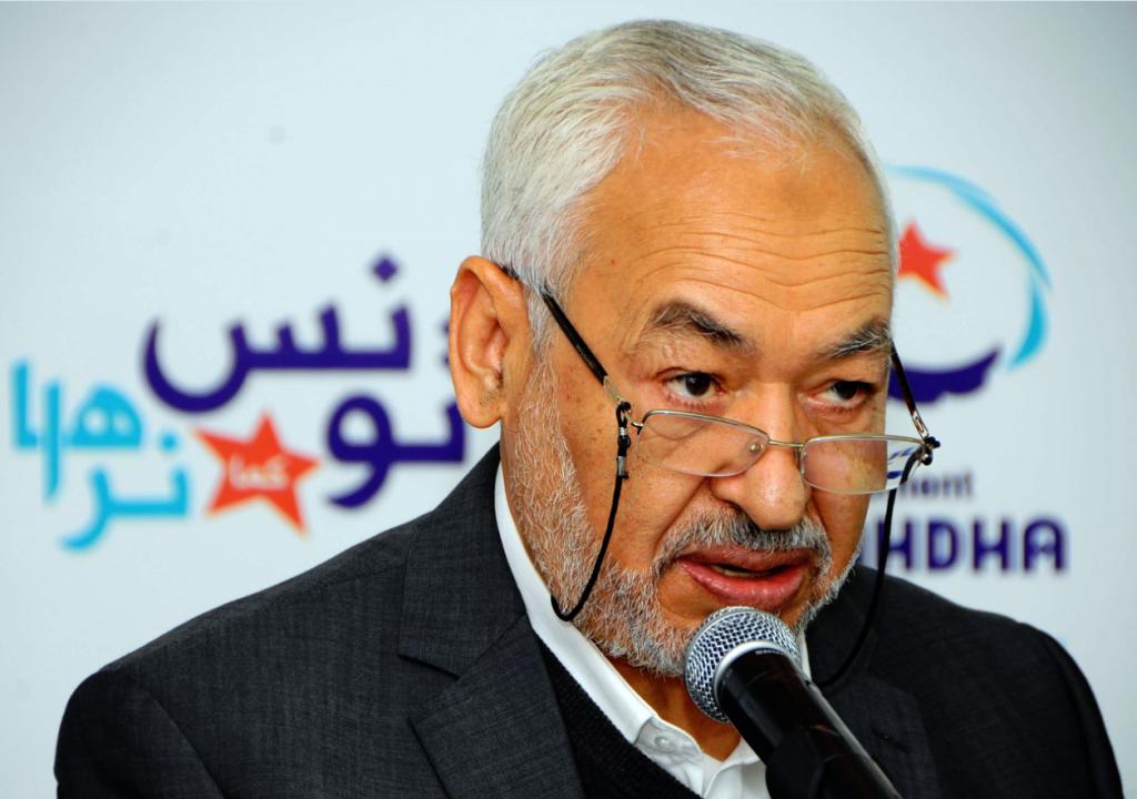 Rached Ghannouchi, leader du parti Ennahdha, lors d'une conférence de presse en 2012.