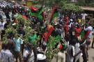 Manifestation en hommage à Chukwuemeka Ojukwu , chef de la guerre de sécession du Biafra, à Nnewi, dans le sud-ouest du Nigeria, le 29 février 2012.