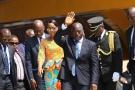 Le président congolais Joseph Kabila salue la foule  lors des célébrations de la fête de l'indépendance à Kindu, dans le centre de la RDC, le 30 juin 2016.