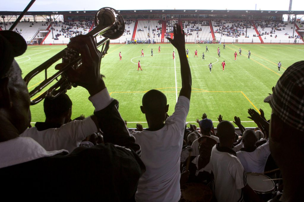 Des supporters du TP Mazembe lors d'un match contre le Lubumbashi Sport, au stade Mazembe, le 4mars 2015.