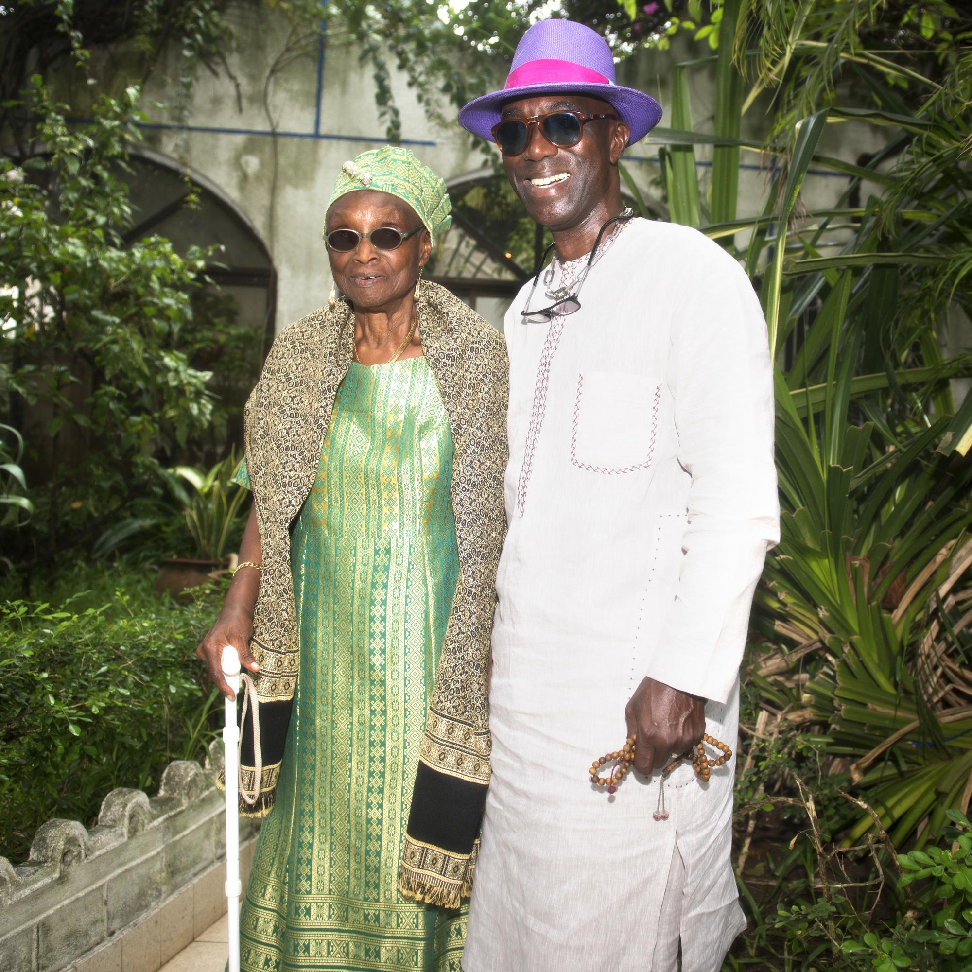 Rosine Soglo, ex-première dame et députée, et son fils cadet, Ganiou, ancien ministre, dans leur résidence de Cotonou, en juin.