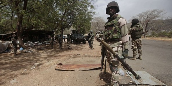 Un soldat nigérian près d'un checkpoint à Gwoza, au Nigéria, le 8 avril 2015 (photo d'illustration).