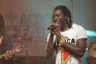 Tiken Jah Fakoly lors d'un concert de bienfaisance pour Haïti en 2010.