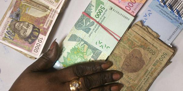 WorldRemit permet à ses clients de récupérer en cash, à travers un réseau de partenaires, l'argent envoyé par les proches depuis l'étranger.